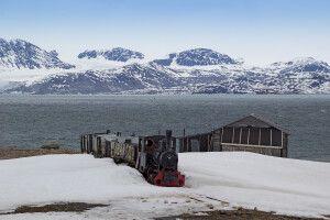 Kleiner historischer Minenzug in Ny Alesund