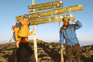 Sie haben's geschafft! Erfolgreiche Gipfelbesteigung des Kilimanjaro