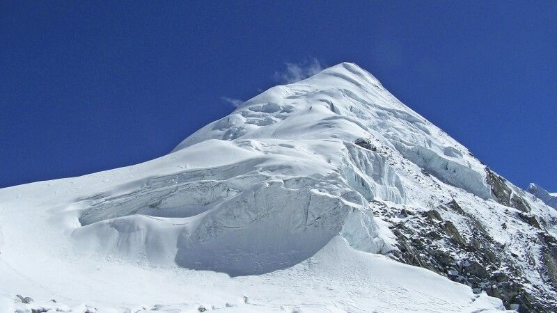 Die formschöne Pyramide des Parcharmo Peak. © Diamir