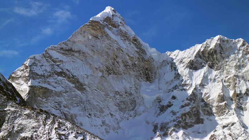 Blick von Chhukhung auf Ama Dablam (6812 m) © Diamir