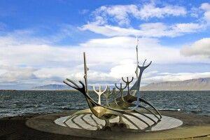 Das berühmte Wikingerschiff in Reykjavik