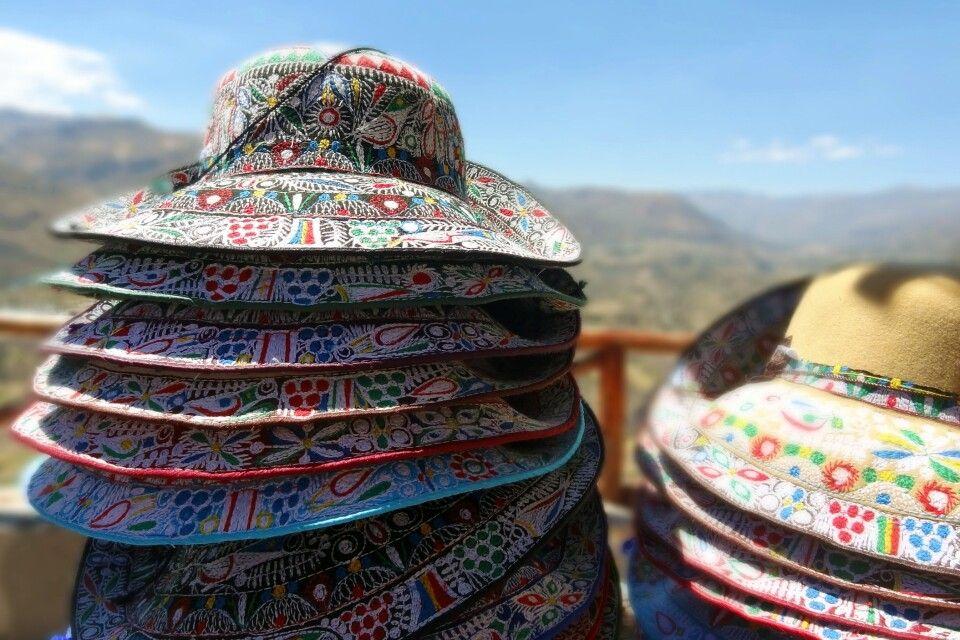Hübsche Hüte im Colca-Tal