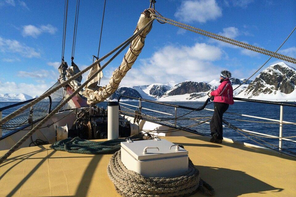 Arktis zum Genießen: Ein Morgen an Deck der Antigua
