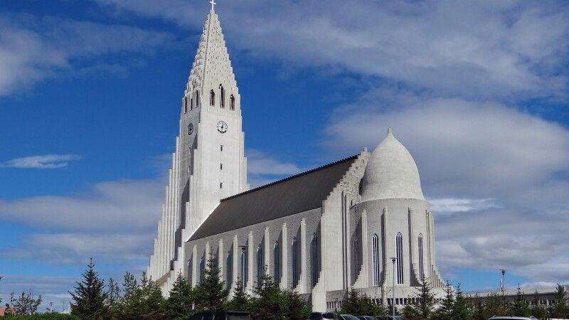 Hallgrimskirche in Reykjavik © Diamir