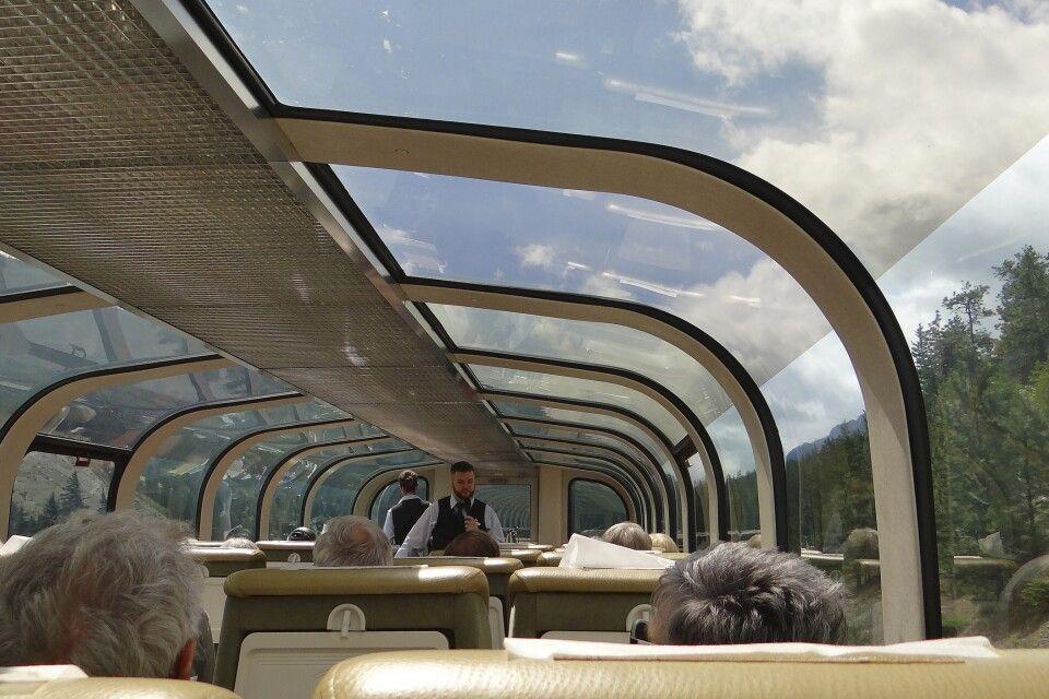 Das Panoramadach im GoldLeaf-Wagon