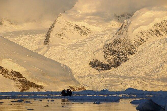 Gigantische Gletscher im Abendlicht