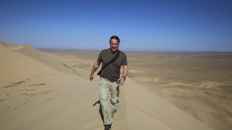 Thomas Kimmel in der Mongolischen Wüste © Diamir