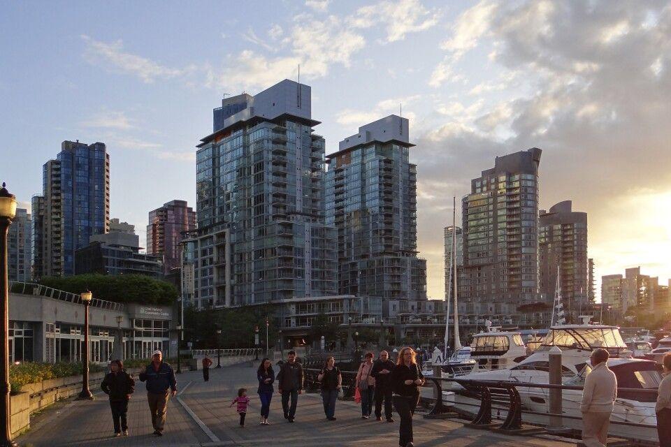 Sonnenuntergang im Hafen von Vancouver