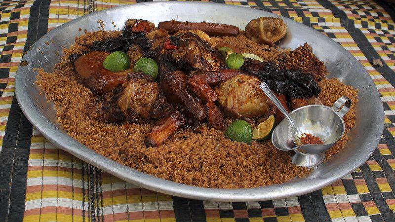 Das Nationalgericht Fisch mit Reis © Diamir
