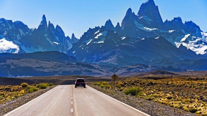 Straße nach El Chalten, mit Blick auf den Fitz Roy © Diamir