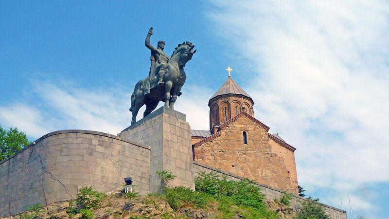 Der Wachtang wacht über die Hauptstadt Tiflis. © Diamir