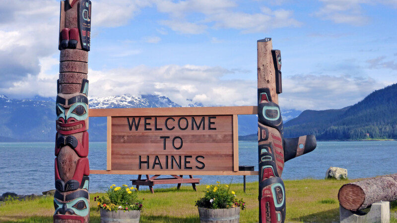 Ortseingang von Haines, Alaska © Diamir