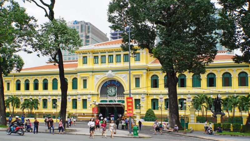 Post Office in Saigon © Diamir