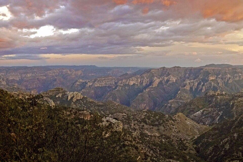 Sonnenuntergangsstimmung über der Sierra Tarahumara
