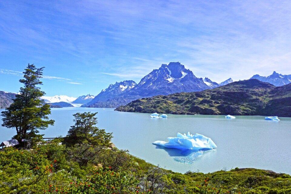 Eisberge des Grey-Gletschers im Nationalpark Torres del Paine
