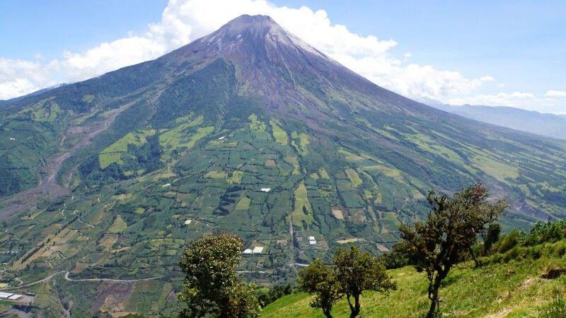 Der Tungurahua bei Baños gilt als aktiver Vulkan © Diamir