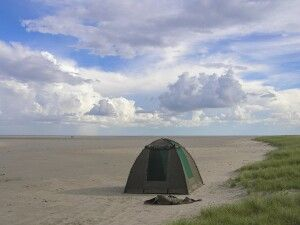 Makgadikgadi-Pfannen, Zeltübernachtung