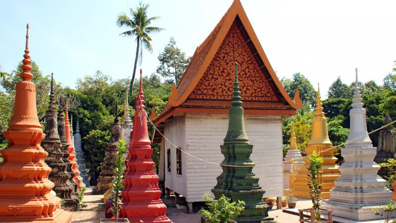 Im Garten der alten Pagode Wat Bo in Siem Reap © Diamir