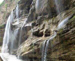 Chegem-Wasserfälle im Kaukasus