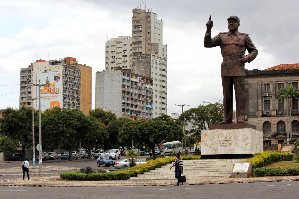 """Statue von Samora Machel auf dem """"Praça da Independência"""", Maputo"""