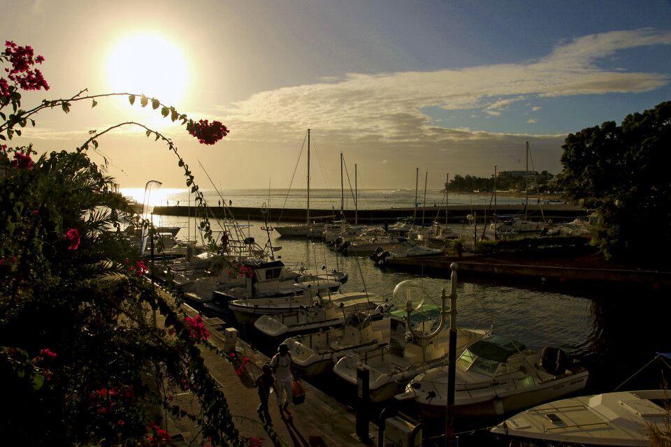 Sonnenuntergang am Hafen von St-Gilles