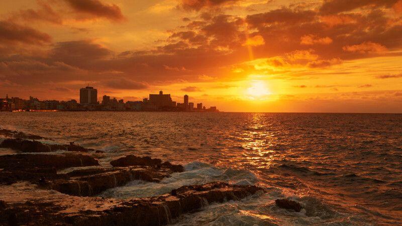 Sonnenuntergang vor Havanna © Diamir