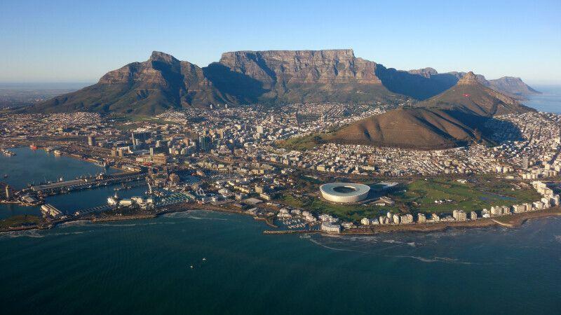 Südafrika – Helicopterflug mit Blick auf Kapstadt © Diamir
