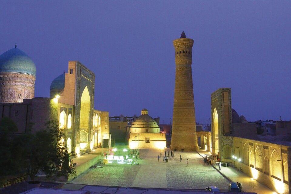 Abendstimmung mit Kalon Minarett in Buchara