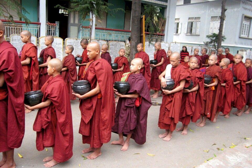 Mönchsprozession