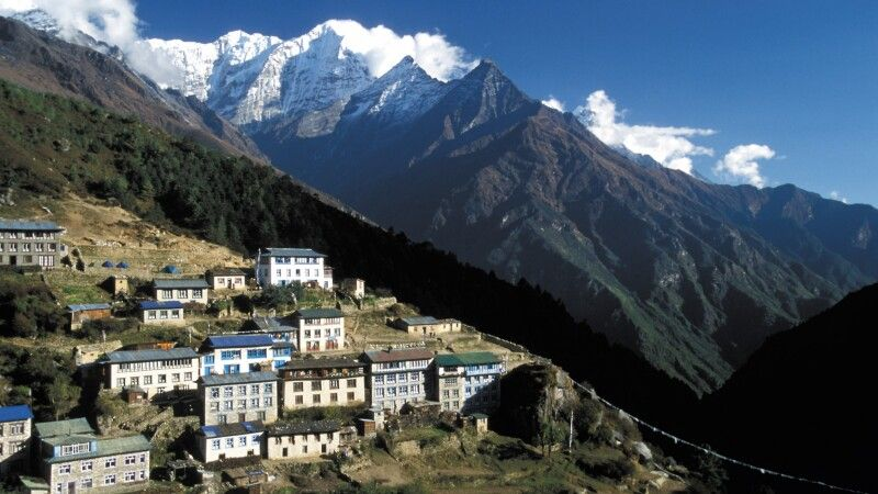 Namche Bazar (3440 m) © Diamir