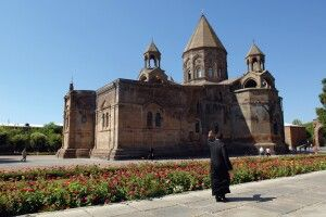 Mönch in Etschmiadsin