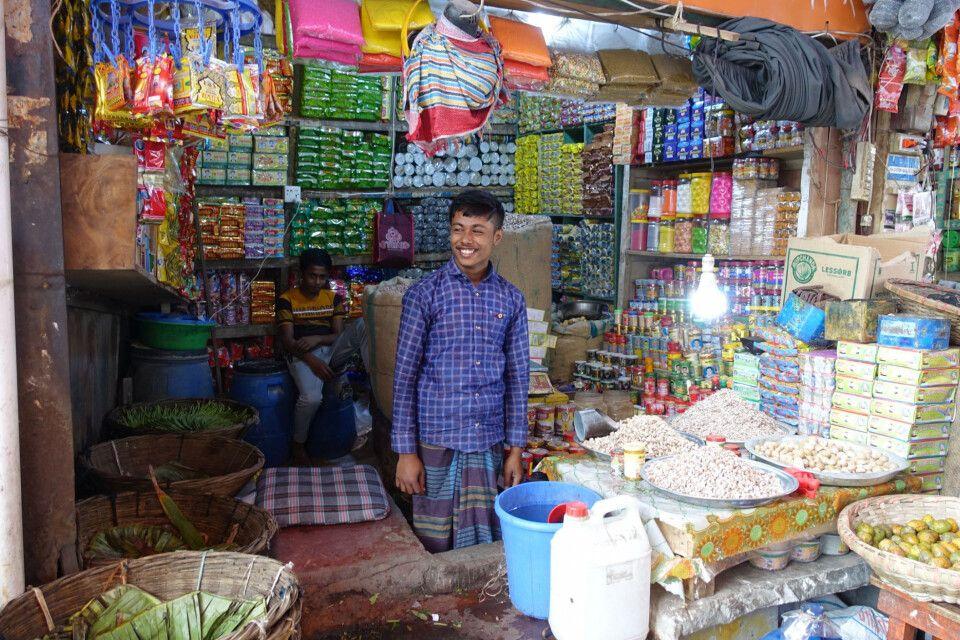 Kawran Bazar in Dhaka