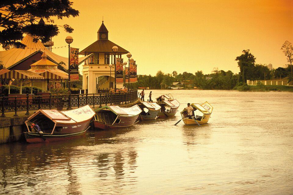 Sonnenuntergang in Kuching, Hauptstadt des malaysischen Bundesstaates Sarawak