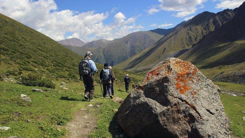 Abstieg nach Altyn Araschan © Diamir