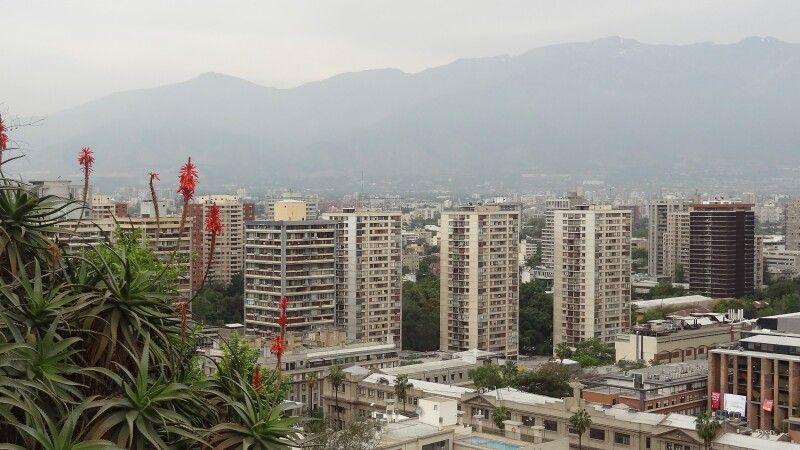 Blick auf Santiago de Chile © Diamir